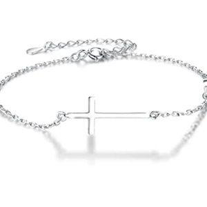 New .925 Sterling silver cross chain bracelet